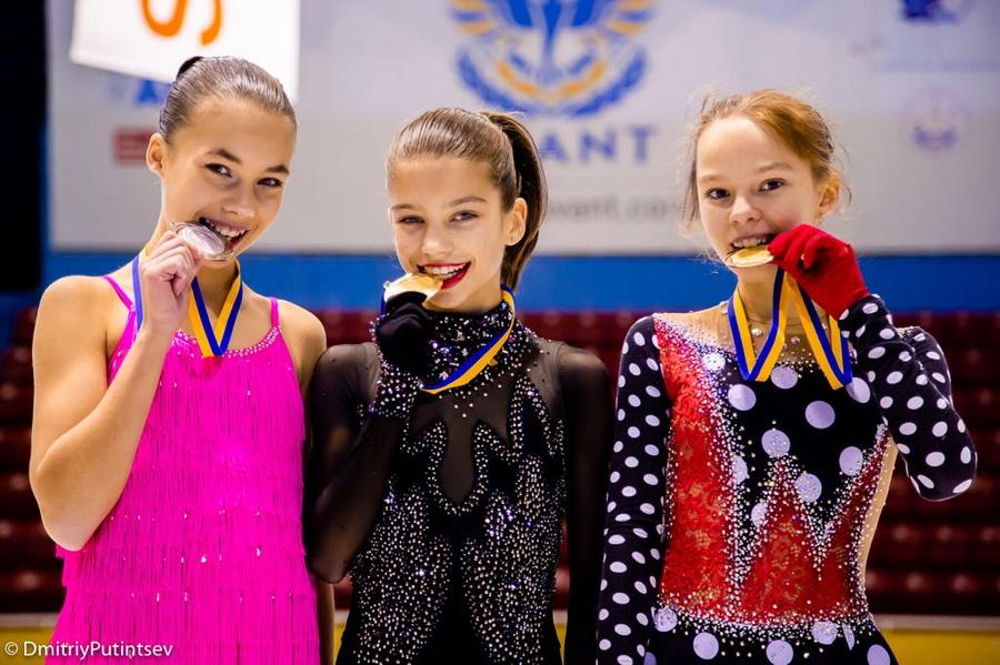 Фігурне катання. Юні одеські спортсмени завоювали 24 медалі на  всеукраїнських змаганнях a948acc8a3e15